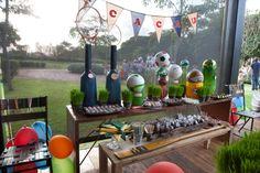 Festa tema Esportes   Macetes de Mãe Table Decorations, Furniture, Home Decor, Fitness, Birthday Party Ideas, Ideas Party, Hs Sports, Kids Part, Embellishments