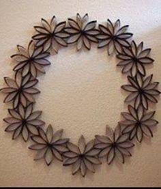 Toilet Paper Roll Art - I must try thisRisultati immagini per toilet paper roll snowflakeWreaths are always great ways to decorate your home for any season, but buying them can be expensive. Check out this Thrifty Paper Flowers Wreath for an elegant Toilet Paper Roll Art, Toilet Paper Roll Crafts, Cardboard Crafts, Diy Paper, Paper Towel Roll Crafts, Paper Towel Rolls, Diy Wall Art, Diy Wreath, Wreaths