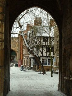 Exchequer Gate ... Lincoln has at least 3 other city gates: west, east and an old Roman gate.