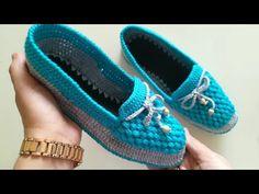 Örgü patik babet yapımı / Keçe üzerine patik yapımı / … – Fashion Trends 2020 Modadiaria 每日时尚趋势 2020 时尚 Felt Booties, Baby Booties, Crochet Shoes, Crochet Slippers, Booties Crochet, Knitting Designs, Knitting Patterns, Diamond Shoes, Shoe Pattern