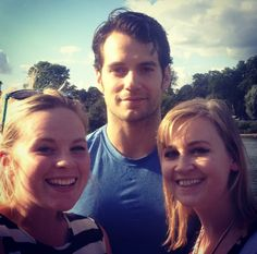 NEW FAN PIC  @fifi_piccadilly (IG) met Henry Cavill in Hyde Park.  She and a friend got this gray picture!  Congrats!