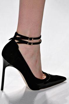 J. Mendel Fall 2012 37 shoe