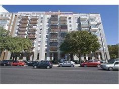 Lisboa, Califa, Rua Tenente Coronel Ribeiro dos Reis. 11º andar com 224 m2, terraços e vistas, para obras totais. Vendido em Junho de 2014  por 275 mil euros. Vendido por Diogo Neto.