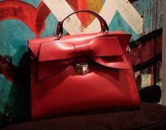 Bow ladies handbag