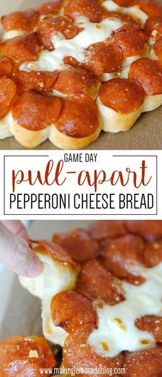 OMG this game day pull-apart pepperoni cheese bread look AMAZING! Making this for our superbowl party! An easy, crowd-pleasing pull-apart pepperoni cheese bread recipe that's perfect for game-day. Easy Party Food, Snacks Für Party, Appetizers For Party, Appetizer Recipes, Food For Superbowl Party, Football Party Recipes, Superbowl App, Food For Parties, Best Football Food