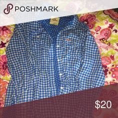 hollister button down Hollister button down. Adorable! worn once! size xs Hollister Tops Button Down Shirts