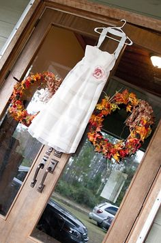 J Crew tea length dress for fall country wedding. Cleopatra Photography