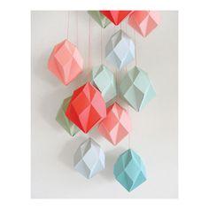 #DIY Diamant mal berk triplex: met deze berken triplex mal vouw je zelf de mooiste geometrische papieren diamanten. From www.kidsdinge.com