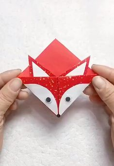 easiest way to DIY a paper fox bookmark Paper Crafts Origami, Diy Crafts Hacks, Diy Crafts For Gifts, Paper Crafts For Kids, Creative Crafts, Easy Crafts, Paper Bag Crafts, Instruções Origami, Origami Bookmark
