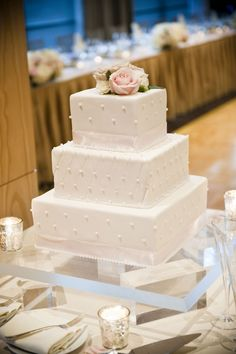 wedding cake; Laurel McConnell Photography