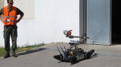 Militärroboter-Leistungsschau Elrob: Roboter auf der Suche nach der Strahlung   heise online
