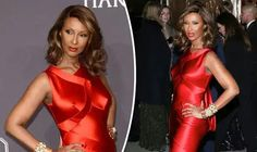 Iman paid tribute to her husband David Bowie lastnight at a Gala in NYC. Stunningly Beautiful at 61.
