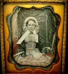 Daguerreotype-Beautiful-Young-Woman-c-1850-USA-shipping-only-See-description