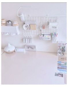 Room Design Bedroom, Room Ideas Bedroom, Home Room Design, Bedroom Decor, Desk Setup, Room Setup, Desk Inspiration, Desk Inspo, Study Room Decor