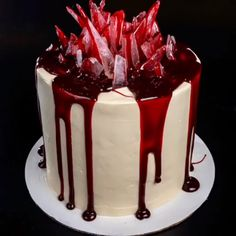Halloween Cakes Credit: Benefits of Hardwood Floors You'd be hard-pressed to find a h Cakes To Make, How To Make Cake, Cake Decorating Videos, Cake Decorating Techniques, Beautiful Cakes, Amazing Cakes, Horror Cake, Bolos Naked Cake, Dessert Halloween