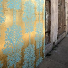 Monaco wallpaper by Tibi. I always loved the idea of awesome wallpaper in a small room like a closet or a powder bath (as long as I don't have to put it up myself). This wallpaper is so great I could see it about anywhere. Inspiration Wand, Design Inspiration, Bedroom Inspiration, Turquoise Walls, Tapete Gold, Teal Wallpaper, Paper Wallpaper, Beautiful Wallpaper, Wall Colors