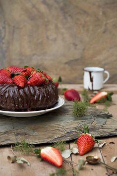 """Gastroandalusi nos trae este magnífico """"Bundt cake de chocolate"""". ¡No podréis comer sólo un cachito! #bundtcake #chocolatebundtcake #chocolatecake #cake #pasteldechocolate #AlmondBreeze"""
