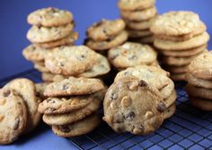 Triple Chip Cookies...Thank you #Bakerella - I think I could totally use some of these for breakfast!
