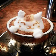 3-D Cats, The Peanuts Gang & More Cute Japanese Latte Art