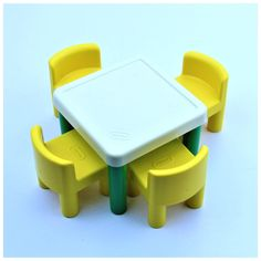 VERY RARE VINTAGE LITTLE TIKES KIDS TOYS TABLE AND CHAIRS YELLOW + WHITE VGC