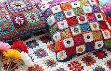 Tres motivos para la labor de punto de las almohadas, los velos, los tapices pequeños   Iskusnitsa