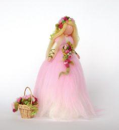 Christine Schäfer - Magic Wool Mermaids, Fairies and Nymphs Through the Seasons - Floris Books Wool Dolls, Felt Dolls, Felt Angel, Needle Felting Tutorials, Felt Fairy, Flower Fairies, Needle Felted Animals, Waldorf Dolls, Fairy Dolls