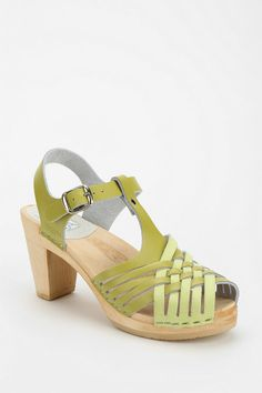 Lemon and lime Maguba Valencia Heeled Sandal Fall Shoes, Summer Shoes, Summer Sandals, Walk In My Shoes, Me Too Shoes, Clog Sandals, Shoes Sandals, Kinds Of Shoes, Pumps