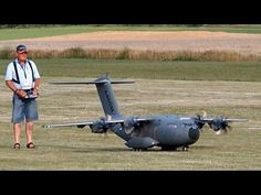 AIRBUS A400M GIGANTIC RC SCALE AIRLINER MODEL FLIGHT DEMO / Airliner Meeting Airshow 2015 - YouTube