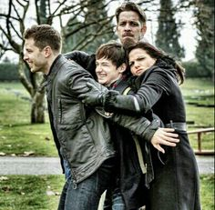 Group hug!!! Charming, Henry, Regina and Robin Hood.