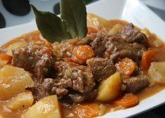 Hierbabuena y Pimienta: Carne guisada con patatas - Beef stew with potatoes Mexican Food Recipes, Gourmet Recipes, Beef Recipes, Cooking Recipes, Healthy Recipes, Ethnic Recipes, Cooking Ribs, Recipies, Beef And Potato Stew