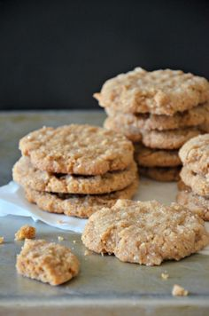 Gluten Free and Grain Free Peanut Butter Cookie Recipe, www.mountainmamacooks.com #glutenfree #highaltitudebaking replace sugar with honey