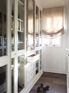 The experts at HGTV.com share tips on how to create a walk-in closet of your dreams.
