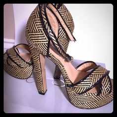 """Sale ⚡️Steve Madden ankle strap Platform Sandals The unique Steve Madden sandal is wrapped in fun print with accents of patent throughout  the heel for a fun yet sophisticated look. Heel height is 5"""" with a 1"""" 1/2  platform form comfort ant stability. No trades please, simply sales only. Steve Madden Shoes Platforms"""