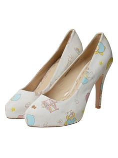 little twin star shoes.. <3