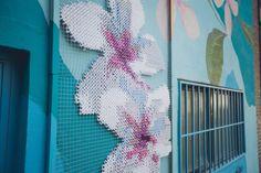 Raquel Rodrigo usa seus bordados gigantes para decorar edifícios em Madrid | IdeaFixa