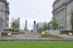 Nous avons participé au projet de réaménagement de la Place Vauquelin au Vieux-Port de Montréal. #accessibilité #DesignUniversel Place, Statue Of Liberty, Travel, Design, Puertas, Statue Of Liberty Facts, Viajes, Statue Of Libery