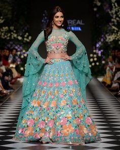 Hand Made Bridal lehenga sangeet lehenga Nomi Ansari Inspired Lehenga. Made on Order Indian Bridal Outfits, Indian Party Wear, Indian Designer Outfits, Indian Wear, Designer Dresses, Indian Attire, Wedding Outfits, Indian Style, Indian Gowns Dresses