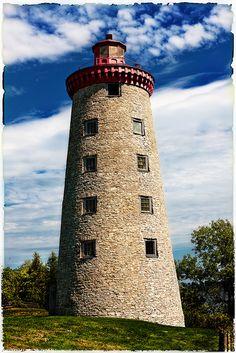 Faro del punto del molino de viento, lugar histórico nacional de la batalla del molino de viento, Prescott, Ontario, Canadá
