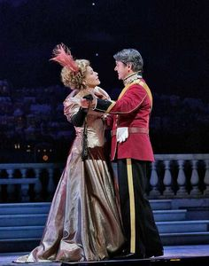 Hanna (Renée Fleming) and Danilo (Nathan Gunn).