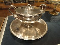 File:Covered Tureen with Tray, by Henri Auguste, France, silver - Cleveland Museum of Art Cleveland Museum Of Art, Art Museum, Silver, Tray, France, Museum Of Art, Trays, Board, French