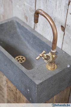 Badkamermeubel oud hout met massief Belgisch hardsteen
