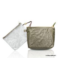 Glanz & Eleganz vereint in einem Flight Pack: En cabine Leinen oliv Kosmetiktasche transparent von Quelques jours de plus | ChackPack.com