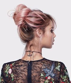 Sahara Ray wears new Colorista Semi-Permanent hair color in Soft Pink for a rose gold balayage look.