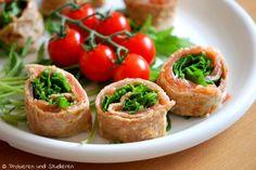 Lachs-Pfannkuchen-Röllchen mit Rucola   Ein Blog mit Rezepten für die vegetarische Studentenküche - Bunt, gesund und schnell kochen