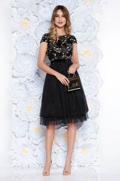 Rochie neagra de nunta din tul in clos pana la genunchi cu maneci scurte
