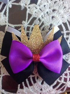 Evil Queen Bow by DreasBowtique on Etsy Hair Ribbons, Ribbon Bows, Disney Hair Bows, Halloween Bows, Diy Headband, Headbands, Diy Hair Accessories, Disney Diy, Ribbon Crafts