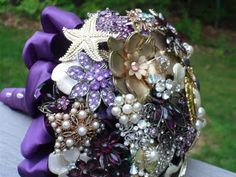 Brooch boquets! I'm not getting married ( ever ever again), but these would be beautiful to have on a shelf!