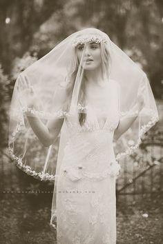 www.elizabethmessina.com & www.kissthegroom.com