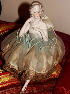 Vintage Sewing Notions, Half Dolls, Painted Books, China Painting, Sewing Toys, China Porcelain, Pin Cushions, French Antiques, Art Deco