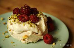 Raspberry ice cream, Pavlova and Raspberries on Pinterest